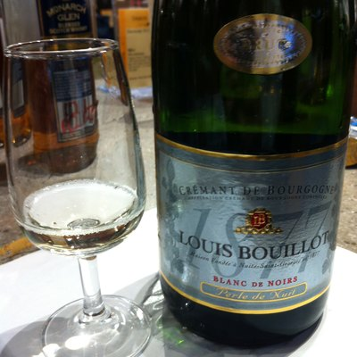 A French blanc de noirs sparkling wine made from the Burgundy region from Pinot noir and Gamay grapes