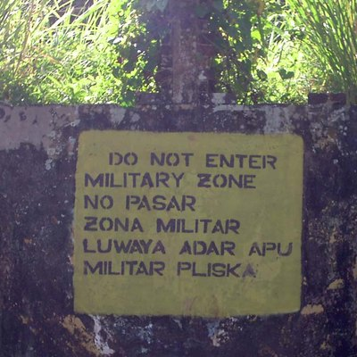 A sign in Bluefields, Nicaragua. The sign is in English, Spanish and Miskito.