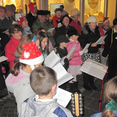 Christmas carolers in Jersey