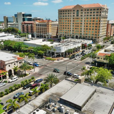 Major Coral Gables intersection at Coral Way (Miracle Mile) and Ponce de Leon Boulevard