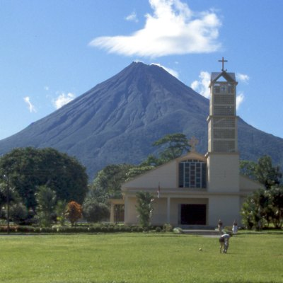 Volcán Arenal seen from Fortuna, Costa Rica 12/2001 by Matthias Prinke
