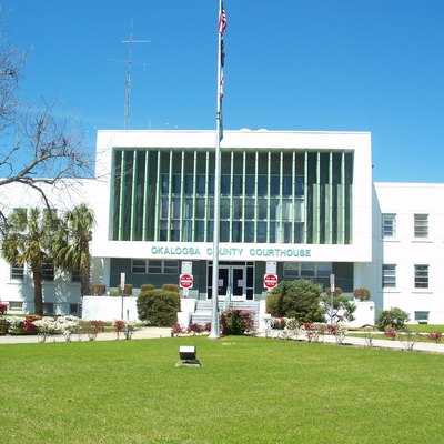 Crestview, Florida: Okaloosa County Courthouse.