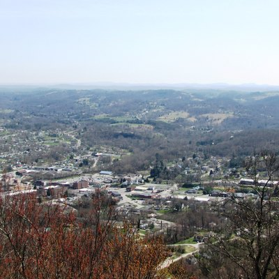 LaFollette, Tennessee, USA, viewed from the Cumberland Trail on the crest of Cumberland Mountain. The buildings at the intersection of Central and Indiana avenues are at the lower left.