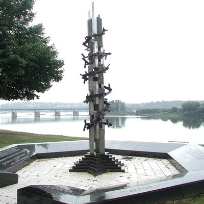 Holocaust Memorial for the Commonwealth of Pennsylvania, Harrisburg, Pennsylvania (1994) by David Ascalon, Ascalon Studios.