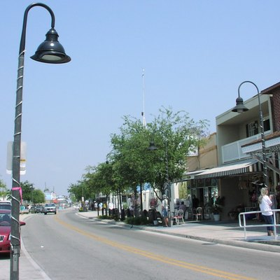 Dodecanese Avenue in Tarpon Springs, looking east.