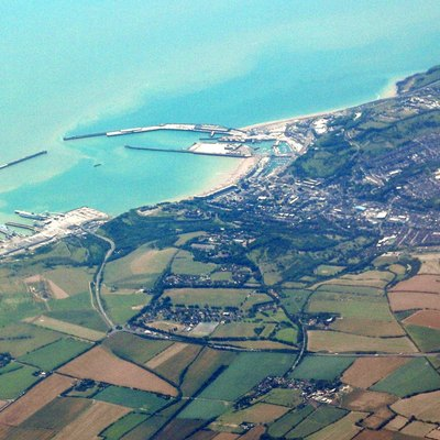 Photo of (port of) Dover from a plane travelling in Southeast direction.