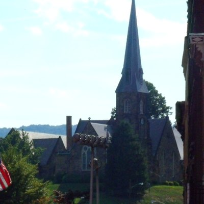 Downtown Cumberland looking toward Emmanuel Episcopal Church