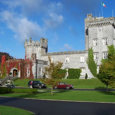 Entrance to Dromoland Castle, Ireland. Photographed by Srleffler in October 2006.