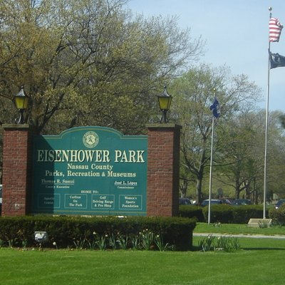 Looking north at the main (southern) entrance to Eisenhower Park in East Meadow, NY.