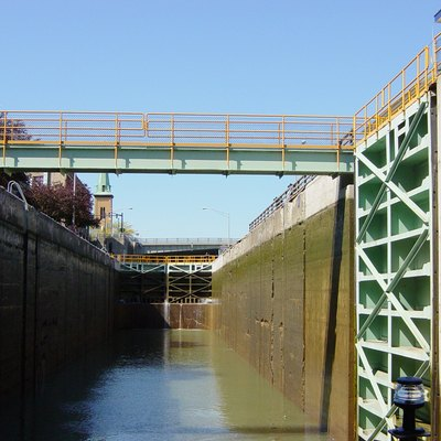Modern Erie Canal lock at the Niagra Escarpment, replacing original five-step locks