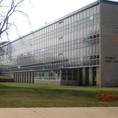 Everett High School building along Cavanaugh Road in Lansing, Michigan