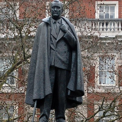 Franklin Delano Roosevelt [1882-1945], the only chap to be elected president of the United States four times. This statue of him is by William Reid Dick and stands in Grosvenor Square, not far from the American embassy. Originally posted in