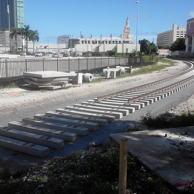 Track replacement of the FEC spur to the Port of Miami