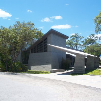 New Smyrna Beach, Florida: Atlantic Center For The Arts: Pabst Visitor Center And Gallery