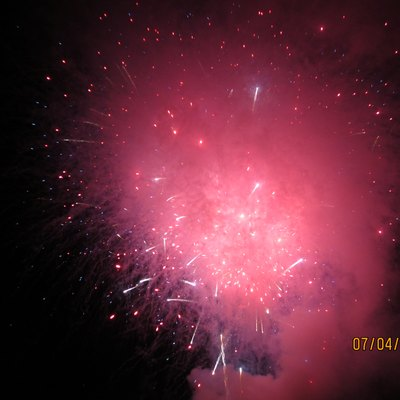 A picture of fireworks on Independence Day in Goleta, California.