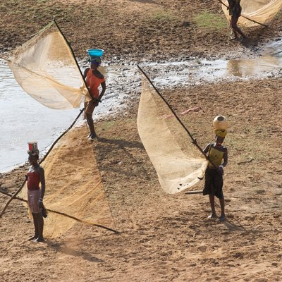 Women fishing on River Niger in Guinea, Africa