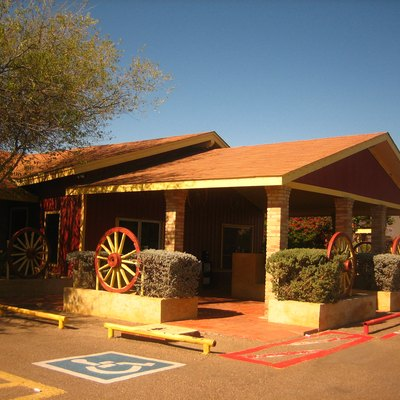 Picture of long-time BBQ restaurant in Laredo