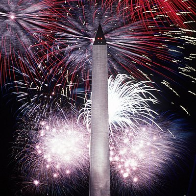 A Fourth of July fireworks display at the Washington Monument.