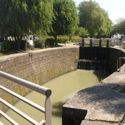 The Négra Lock with its rounded side walls which are features of the Canal du Midi.