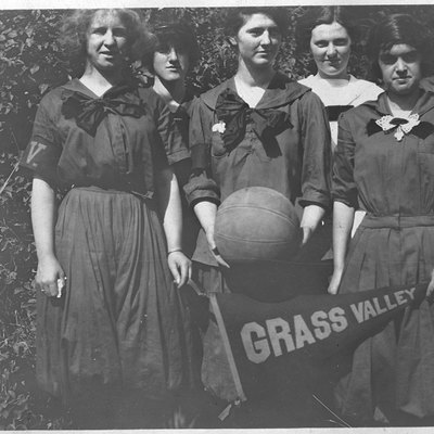 Grass Valley High School girls basketball team. That's my great-aunt Inez Fowler on the right. Scary bunch!