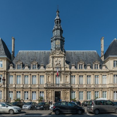 The city hall of Reims as seen from south-east.