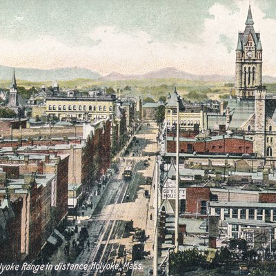 An early postcard with am image of High Street in Holyoke, Massachusetts.
