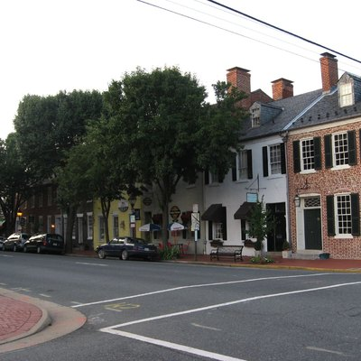 The intersection of Caroline Street (Northbound US BUS 17) and Charoltte Street in Historic Downtown Fredericksburg, Virginia.