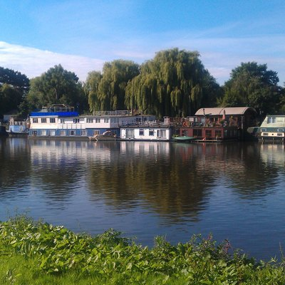 Houseboats on Thames river in Richmond - Surrey - UK