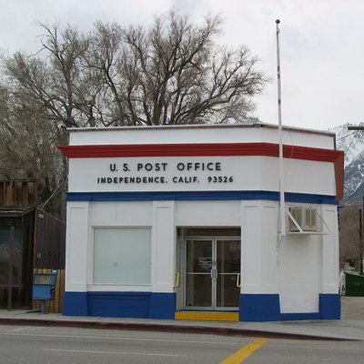 Post office in Independence, California