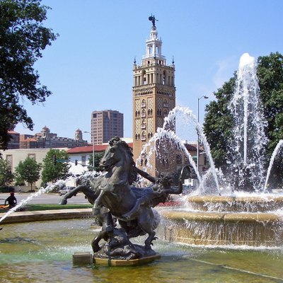 J.C. Nichols Fountain by Henri-Léon Gréber (1910), at the Country Club Plaza, Kansas City, Missouri