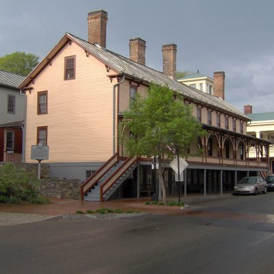 Chester Inn in Jonesborough, Tennessee, in the southeastern United States. The inn was built in 1797 and operated until the 1930s. The structure now part of the Jonesborough Historic District.