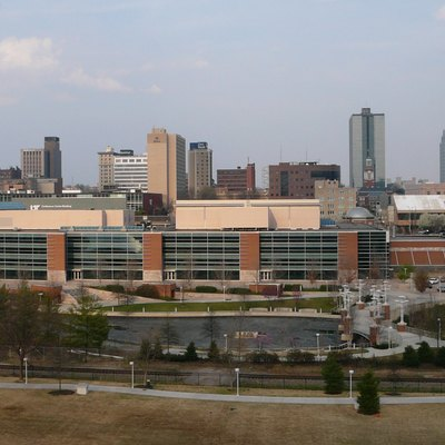 Eastward view of the skyline of downtown Knoxville, Tennessee.