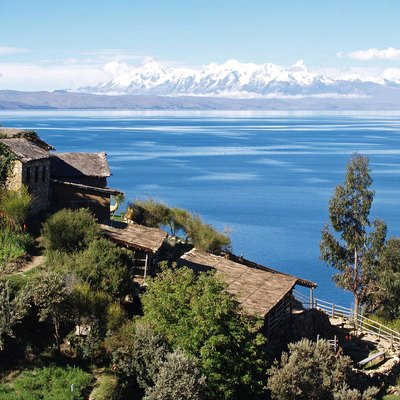 Lake_Titicaca_on_the_Andes_from_Bolivia.