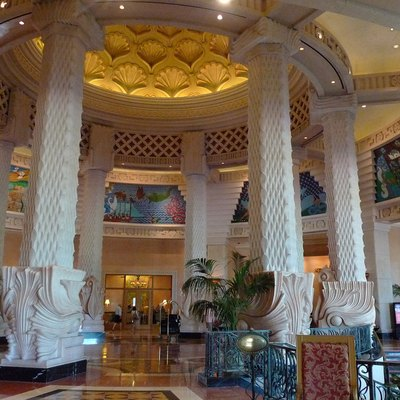 Lobby Atlantis Paradise Island photo D Ramey Logan
