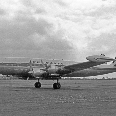 Lockheed L-1049G Super Constellation D-ALAP of Lufthansa operating a transatlantic schedule from Hamburg to Chicago through Manchester Airport in 1956