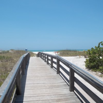Longboat Key, Florida: Boardwalk To Beach