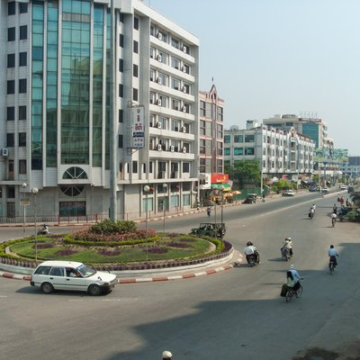 Traffic circle at Mandalay, near the train station