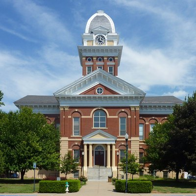 Saline County Courthouse in Marshall, Missouri