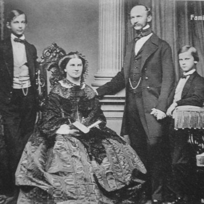 Maximilian II of Bavaria with his wife and two son : King Ludwig II and Otto