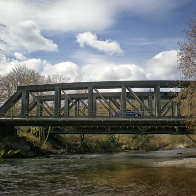 The McMillin Bridge over the Puyallup River in McMillin, Washington, USA.
