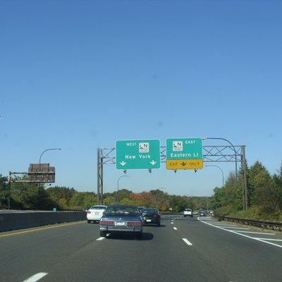 The northbound Meadowbrook State Parkway at the Northern State Parkway in Carle Place, New York.