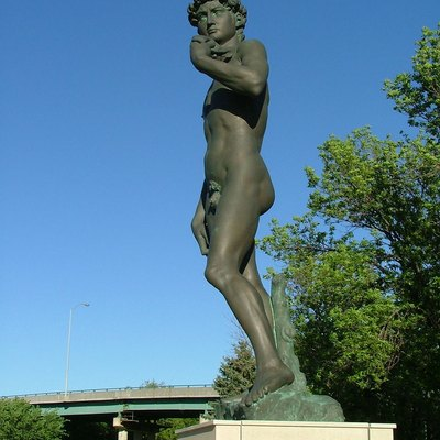 Shot by Jerry Fisher at Fawick Park in Sioux Falls, South Dakota, United States on 22 May, 2005. This full-sized bronze reproduction was a gift from the inventor Thomas Fawick to the city of Sioux Falls.