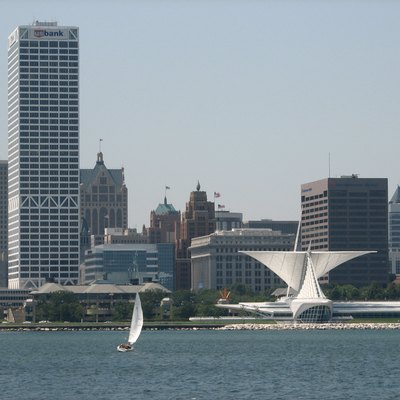 Milwaukee Skyline Source: http://www.Flickr.com/photos/dragonflyajt/206867595
