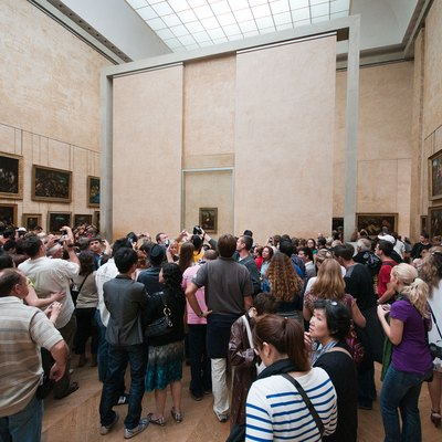 Crowd Around Mona Lisa In Louvre