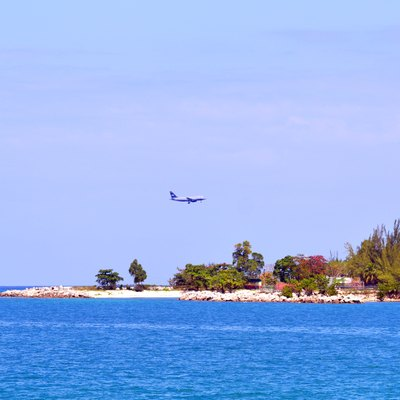 Aircraft on short final into Montego Bay Photo D Ramey Logan