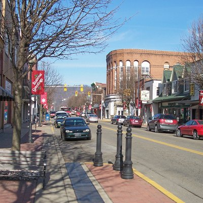 Jefferson Avenue in downtown w:Moundsville, West Virginia
