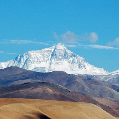 Mt. Everest, seen from Tingri, a small village on the Tibetan plateau at around 4050m above sea level.