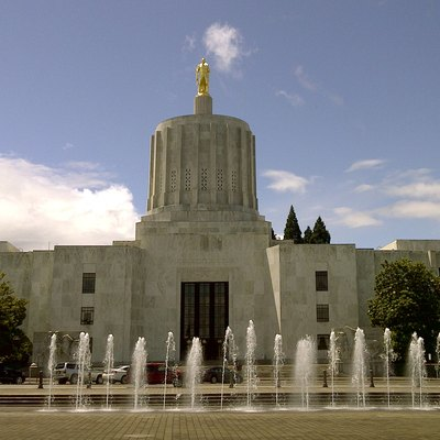 The Oregon State Capitol Building on a sunny spring afternoon.