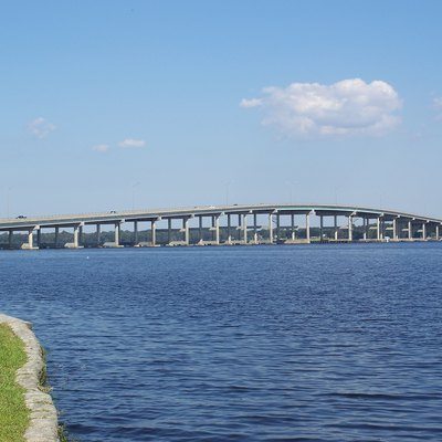 Palatka, Florida: Memorial Bridge Over The St. Johns River