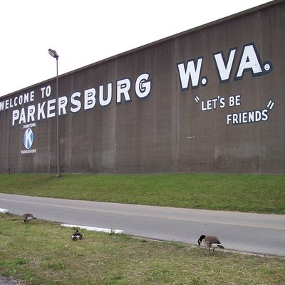 The w:floodwall of w:Parkersburg, West Virginia, along the w:Ohio River